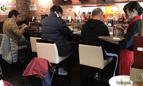 いきなりステーキのカウンター席