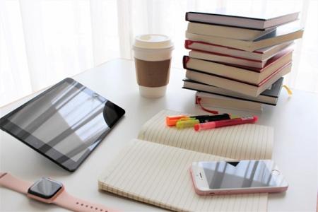 本とスマホとタブレット