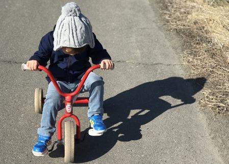 3歳児の三輪車