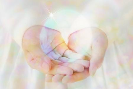 手のひらの水晶