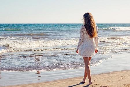 海辺を散歩