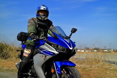 バイクに乗る人